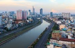 Arial sikt på Vo Van Kiet Highway i den Ho Chi Minh staden Fotografering för Bildbyråer