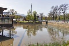 Ariana Lake på den Borisova gradinaen Boris Garden i stad av Sofia, Bulgarien fotografering för bildbyråer