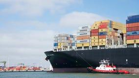 ARIANE die van de Vrachtschipdoctorandus in de exacte wetenschappen de Haven van Oakland ingaan stock fotografie