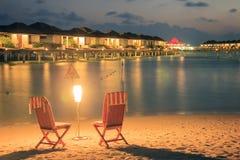 Ariatol in de Maldiven, nachtdalingen bij zoneiland Royalty-vrije Stock Foto