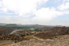 Ariealmening van de ketting van heuvels van Hampi van het noordenkant van Matanga-Heuvel, Hampi, Karnataka Heilig Centrum De Anje royalty-vrije stock afbeeldingen