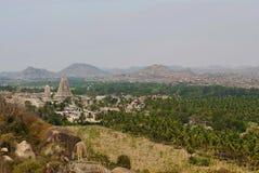 Ariealmening van de Virupaksha-tempel van de het westenkant van Matanga-Heuvel, Hampi, Karnataka Heilig Centrum royalty-vrije stock foto