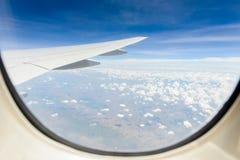 Ariel-Ansicht von der Flugzeugkabine Lizenzfreies Stockbild
