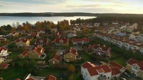 Ariel-Ansicht von Häusern in Schweden stock video