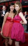 Arielle Kebbel und Amber Tamblyn lizenzfreies stockbild