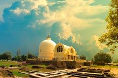 Arinirvana Stupa es señal pública del budista de la adoración Fotografía de archivo libre de regalías