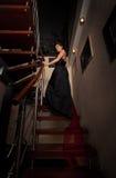.aristocratic κυρία στα σκαλοπάτια Στοκ εικόνες με δικαίωμα ελεύθερης χρήσης