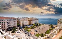 Aristotelous fyrkant på eftermiddagen, Thessaloniki royaltyfri foto