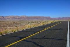 arizona ökenhuvudväg arkivfoto
