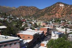Arizona Bisbee, USA, April 6, 2015, förbiser av kopparstaden vänd konststad royaltyfria bilder