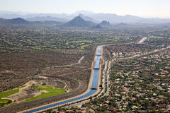 The Arizona Canal flowing through Scottsdale Stock Photo