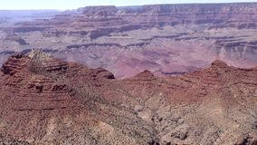 Arizona, Grand Canyon, a-pan over een vorming in Grand Canyon stock footage