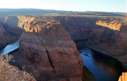 Arizona podkowy chył na Kolorado rzece w roztoka jarze obrazy stock