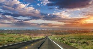 Arizona solnedgångväg Fotografering för Bildbyråer