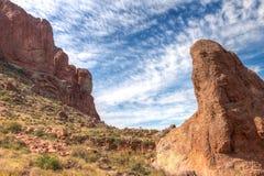 Arizona--Traînée Région-perdue d'aspiration de Parc-siphon d'état de Néerlandais de montagne de superstition, images stock