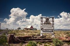 Arizona välkommet tecken på Route 66 Royaltyfri Fotografi