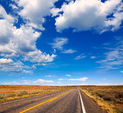 Arizona-Wüste auf US 89 an einem sonnigen Tag Lizenzfreie Stockfotografie