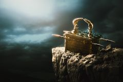 Free Ark Of The Covenant At The Top Of A Mountain / 3D Rendering Royalty Free Stock Photos - 134534358