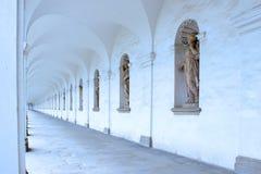 Arkada kolumnada w kwiatu ogródzie Kromeriz 2 zdjęcie royalty free