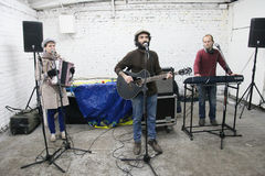 Arkady Kots, συναυλία 12.04.2014 γκαράζ του Κίεβου Στοκ εικόνες με δικαίωμα ελεύθερης χρήσης