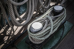 Arkany splatać w zatokach na antycznym żeglowania naczyniu Fotografia Royalty Free