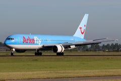 ArkeFly (авиакомпании Nederland) Боинг 767-383/ER TUI стоковое фото rf