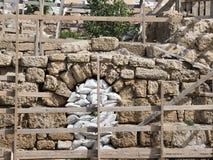 Arkeologiska utgrävningar och återställandearbeten av den forntida staden Arkivbild
