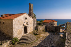 Arkeologiskt museum i historiska byggnader av Ulcinj den gamla staden Arkivfoton