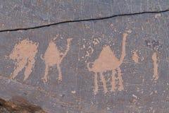 Arkeologiskt och grafitti på stenar arkivbilder