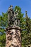 Arkhangelsk Ryssland Monumentet till grundaren av den ryska akademin av vetenskaper M Lomonosov 1829 arkivbilder