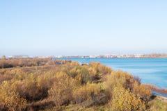 arki Jesień dzień Widok stare kuszetki szalunku zakład przetwórczy i budynki zdjęcie stock