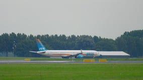 Arkia Boeing 757 que lleva en taxi metrajes