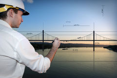 Arkitekt som tecknar en bro royaltyfri fotografi
