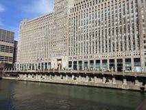 ARKITEKTONISK BYGGNAD I STADENS CENTRUM CHICAGO Arkivfoto