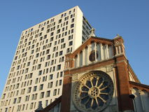 Arkitektonisk contrast Arkivfoton