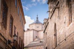 Arkitektonisk detalj av den St Mary s domkyrkan av Toledo i Spanien arkivfoton