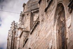 Arkitektonisk detalj av den St Mary s domkyrkan av Toledo i Spanien arkivfoto