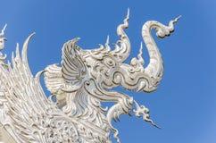 Arkitektonisk detalj av den Wat Rong Khun templet i Chiang Rai, Thailand Arkivbild