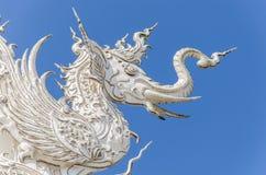 Arkitektonisk detalj av den Wat Rong Khun templet i Chiang Rai, Thailand Royaltyfria Bilder