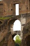 Arkitektonisk detalj av Roman Coliseum i Rome, Lazio, Italien Arkivfoton