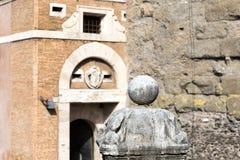 Arkitektonisk detalj på slotten för ängel` s, Rome, Italien arkivbilder