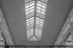 Arkitektonisk sikt av den ödeUSA gallerian Arkivbild
