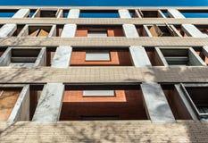 Arkitektonisk struktur av minimalist byggnad royaltyfri bild