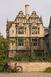 Arkitektonisk struktur i Stratford, England Arkivfoton