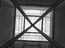 Arkitektoniska anomalier delar och linjer av strukturer arkivfoton
