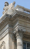 arkitektoniska carvings paris royaltyfri bild