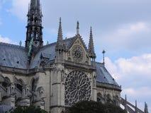 Arkitektoniska detaljer av Notre Dame de Paris Notre Dame Cathedral - den mest berömda gotiska Roman Catholic Cathedral 1163-1345 royaltyfria foton