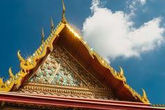 Arkitektoniska detaljer av slotten på den Wat Phra Kaew templet, Bangkok, Thailand Arkivfoton