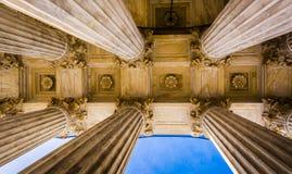 Arkitektoniska detaljer av Surpremen uppvaktar byggnad i Washingt Arkivbild