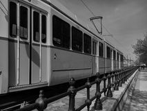Arkitektoniska detaljer för spårvagnjärnvägar i Budapest arkivfoton